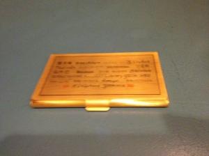 ที่ใส่นามบัตร มีคำว่าห้องสมุดในภาษาต่างๆ